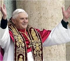 Benedicto XVI el dia de su elección
